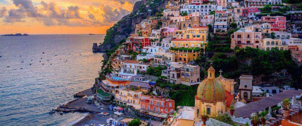 De betekenis achter pittoresk toont zich in dit schilderachtige Italiaanse dorp.